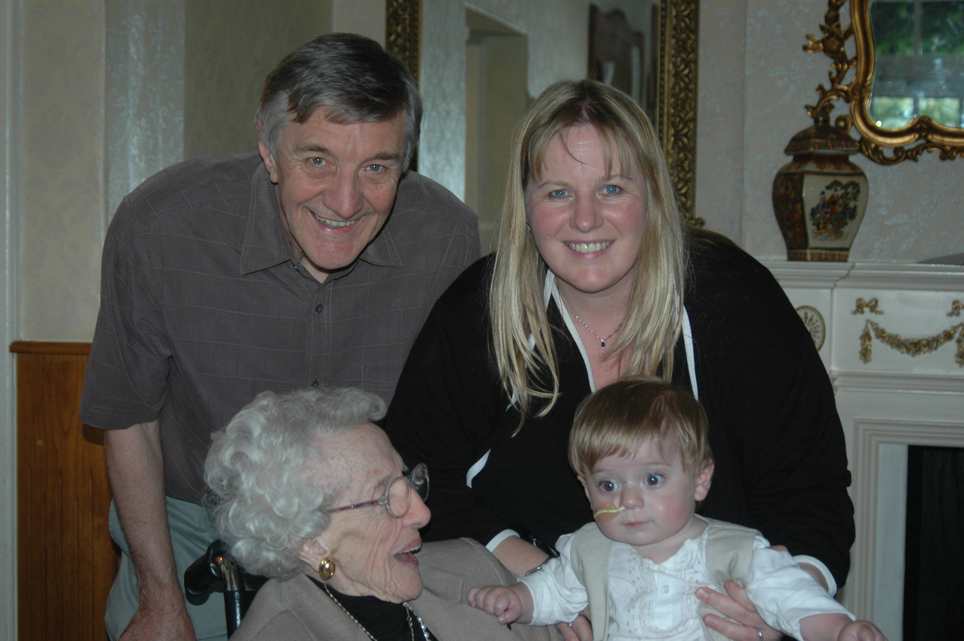 1-mummy-grandpa-and-great-nanna
