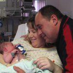 2-newborn-with-mummy-and-daddy