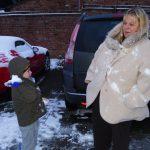 23-snowballs-with-mummy